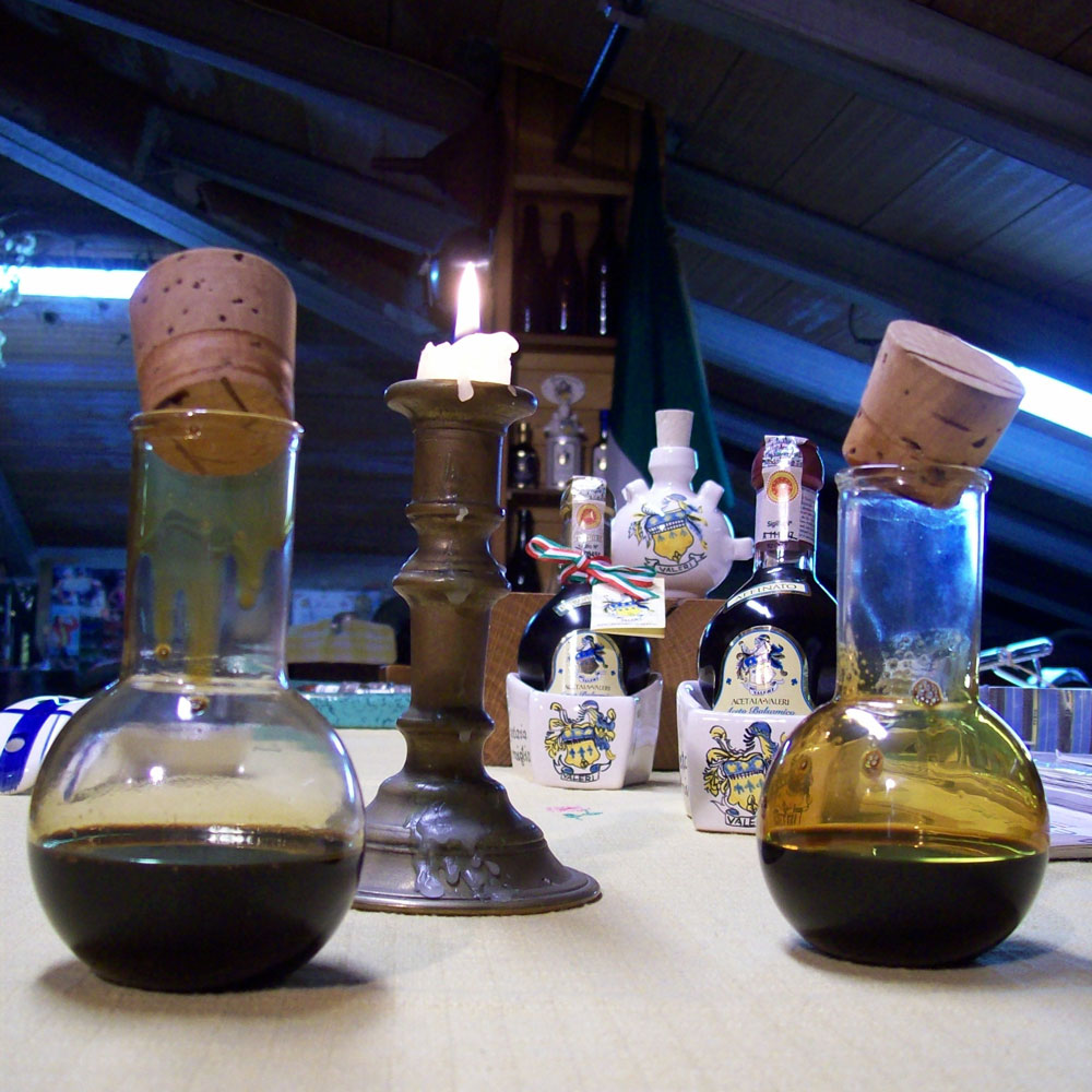 Assaporare l'Aceto Balsamico, assaggi di aceti